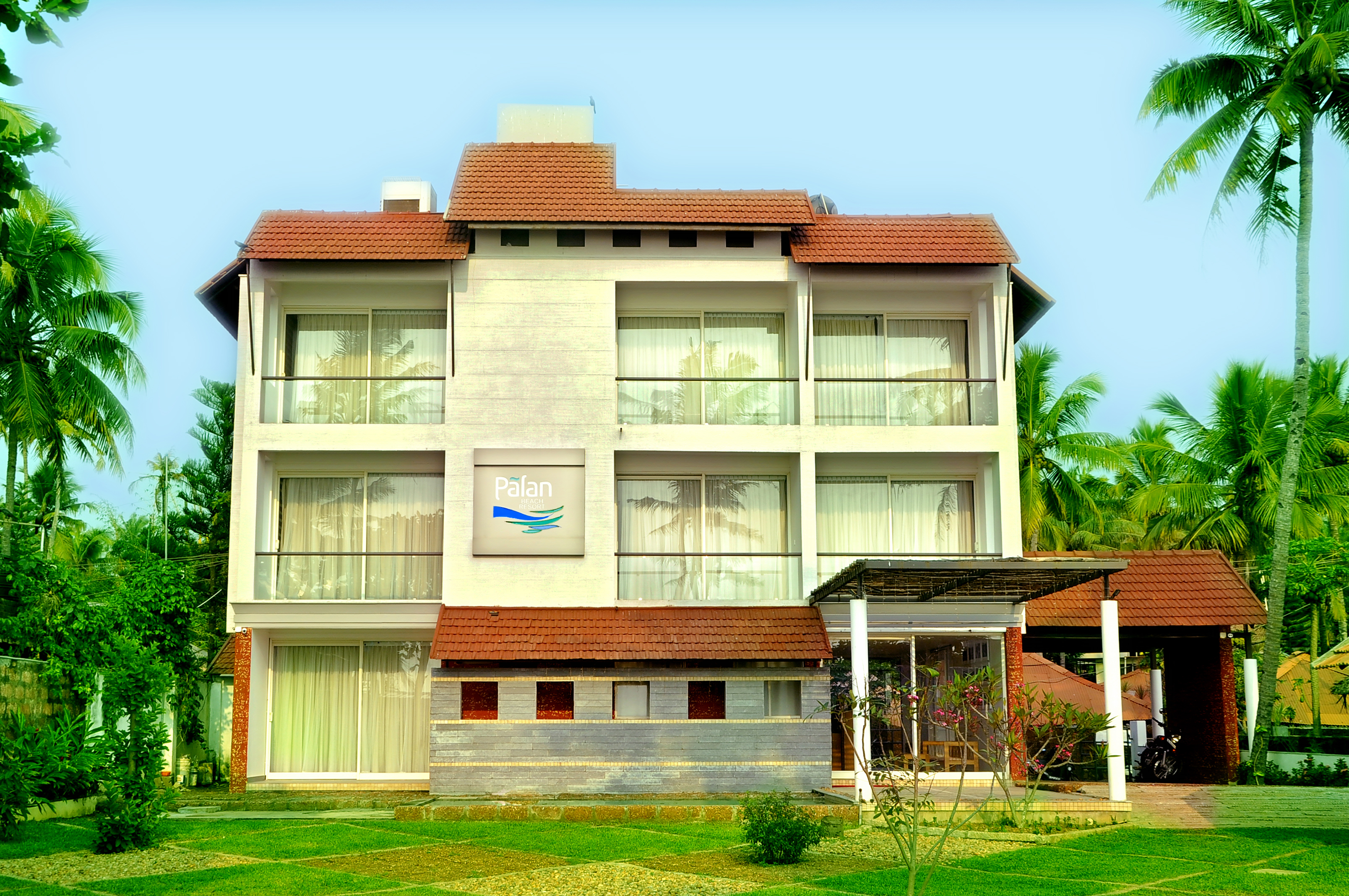 Palan Beach Resort: home palan